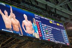 Rio2016热2人的4X100自由式中转的结果 库存照片