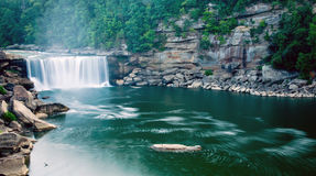 Rio abajo de las caídas 2 de Cumberland Imágenes de archivo libres de regalías