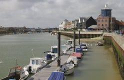 Rio Arun em Littlehampton. Sussex. Inglaterra Fotos de Stock Royalty Free