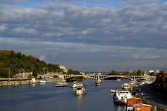 Rio-barco-ponte Imagem de Stock Royalty Free