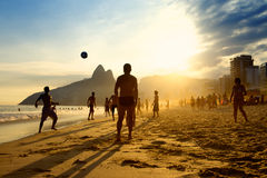Rio Beach Football Brazilians Playing Altinho stockfotografie