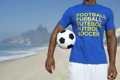 Rio brasileiro de Ipanema do jogador de futebol do futebol fotografia de stock royalty free