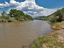 Rio Chama nära Abiquiu Fotografering för Bildbyråer