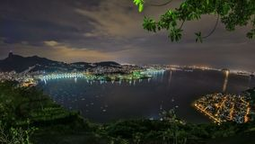 Rio Cityscape Time Lapse Night som panorerar HDR lager videofilmer