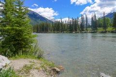 Rio da curva em Banff Foto de Stock Royalty Free