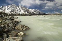 Rio da geleira no cozinheiro National Park da montagem Imagens de Stock Royalty Free