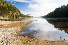 Rio da montanha do verão Rio Biya de Altay Fotografia de Stock Royalty Free