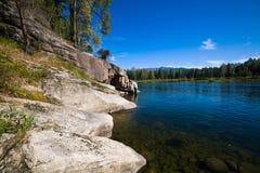 Rio da montanha do verão Rio Biya de Altay Foto de Stock Royalty Free