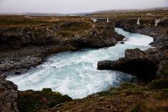 Rio da montanha em Islândia fotografia de stock royalty free
