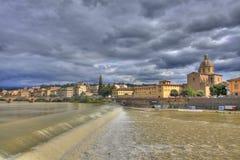 Rio de Arno e paisagem de Florença Foto de Stock