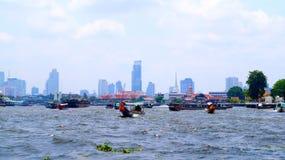 Rio de Banguecoque Chao Phraya Imagens de Stock
