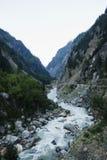 Rio de Bhagirathi em Gangotri, distrito de Uttarkashi, Uttarakhand, Imagens de Stock Royalty Free