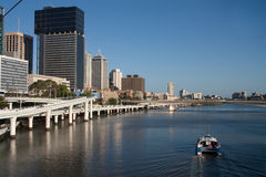 Rio de Brisbane com balsa Foto de Stock Royalty Free