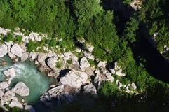 Rio de Desfiladeiro Du Verdon visto de cima de Fotografia de Stock Royalty Free
