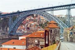Rio de Douro e Dom Luis que eu construo uma ponte sobre em Porto, Portugal UNESCO Imagens de Stock
