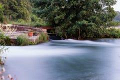 Rio de fluxo rápido Imagem de Stock