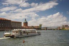 Rio de Garona em Toulouse, França Foto de Stock