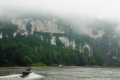 Rio de Indonésia, carregado Fotografia de Stock