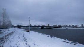 Rio de Ishim na manhã do inverno imagens de stock royalty free