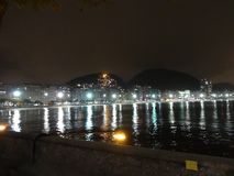 Rio de Janeiro Beachs alla notte fotografie stock libere da diritti
