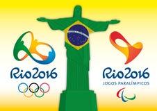 RIO DE JANEIRO - BRASIL - ANO 2016 - Jogos Olímpicos e jogos 2016 do paralympics, símbolo do redentor de christ e logotipos Fotos de Stock Royalty Free