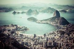Rio de janeiro, Brasil. Praia do naco e do Botafogo de Suggar vista de Corcovado fotos de stock