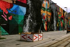 RIO DE JANEIRO, BRAZYLIA JUN 16, 2018: Graffiti obraz przy w centrum Rio De Janeiro - praça mauà ¡, artysta Kobra, Olimpijski bu obraz stock