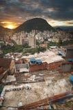 Rio de Janeiro centrum och favela royaltyfria foton