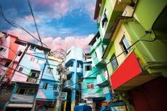 Rio de Janeiro centrum och favela arkivbilder