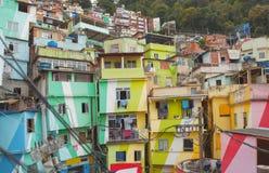 Rio de Janeiro centrum och favela royaltyfria bilder