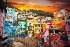 Rio de Janeiro centrum och favela royaltyfri fotografi