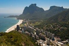 Rio de Janeiro Coast met Bergen Stock Foto's
