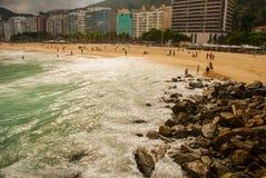 Rio de Janeiro, Copacabana, Lamastrand, Brasilien: Sch?ne Landschaft mit See- und Strandansichten Der ber?hmteste Strand in Rio-D lizenzfreie stockfotos