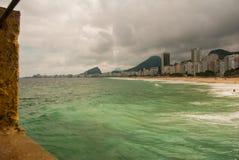 Rio de Janeiro, Copacabana-Strand, Brasilien: Sch?ne Landschaft mit See- und Strandansichten Der ber?hmteste Strand in Rio de Jan stockfotos
