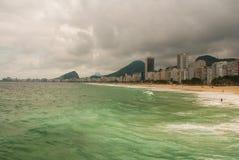 Rio de Janeiro, Copacabana-Strand, Brasilien: Sch?ne Landschaft mit See- und Strandansichten Der ber?hmteste Strand in Rio de Jan stockfoto