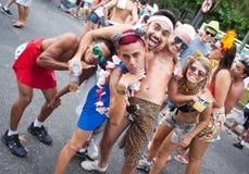 RIO DE JANEIRO - 11 DE FEVEREIRO: Jovens que têm o divertimento no fre Imagem de Stock