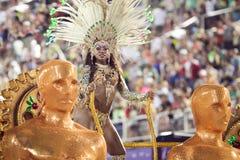 RIO DE JANEIRO - 10 DE FEVEREIRO: Uma mulher na dança do traje no carn Imagem de Stock