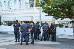 RIO DE JANEIRO - 15 de junho: A polícia militar fornece a segurança para fotos de stock royalty free
