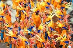 RIO DE JANEIRO - 11 FÉVRIER : Une femme dans la danse de costume sur le cairn Images stock