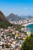 Rio De Janeiro Favela i Ipanema plaży widok Zdjęcie Stock
