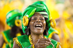 RIO DE JANEIRO - FEBRUARY 10: A woman in costume dancing on carn Royalty Free Stock Photography