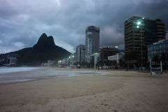 Rio de Janeiro heeft ruwe overzees op een katerdag stock afbeeldingen