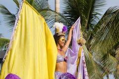 RIO DE JANEIRO RJ /BRAZIL - Januari 30, 2016: Världs berömda karneval i Rio de Janeiro, sambaskola som in ståtar Arkivbilder