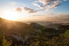 Rio de Janeiro solnedgångljus royaltyfri foto
