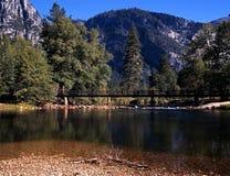 Rio de Merced, parque nacional de Yosemite, EUA. fotos de stock royalty free