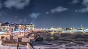 Rio de Neva da vista bonita em St Petersburg, Rússia filme