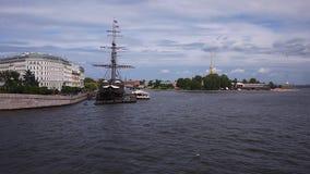 Rio de Neva em St Petersburg vídeos de arquivo