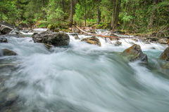 Rio de pressa da montanha Imagem de Stock Royalty Free