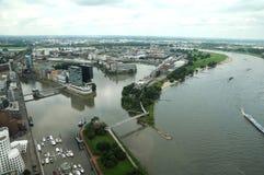 Rio de Rhine em Dusseldorf imagens de stock royalty free