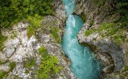 Rio de Soca em Slovenia fotografia de stock royalty free